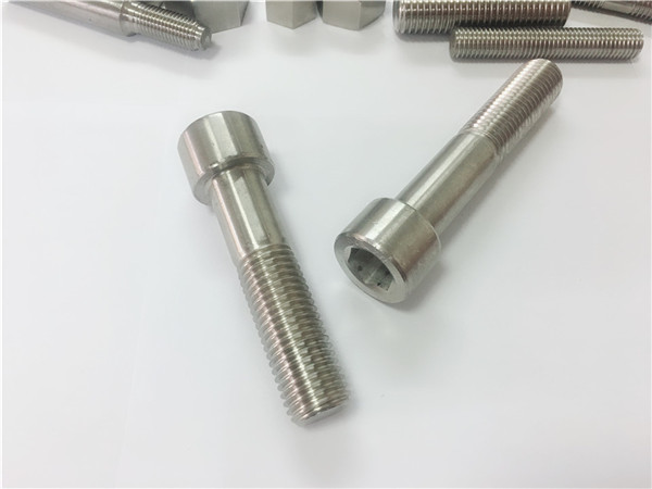 pengeluar pengikat china custom knurling brass screw